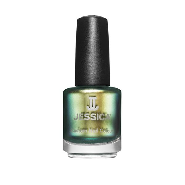 Jessica-Nails-In-The-Press-Iridescent-Eye
