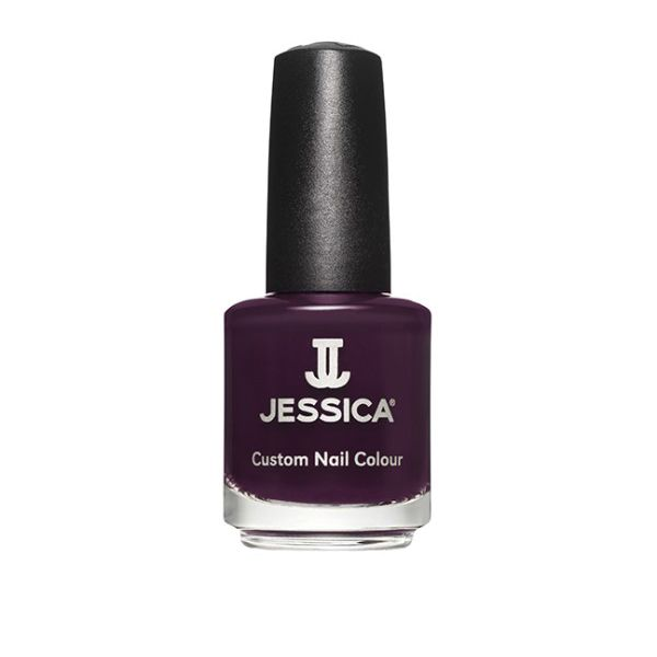 Jessica-Nails-In-The-Press-Wintr-2015